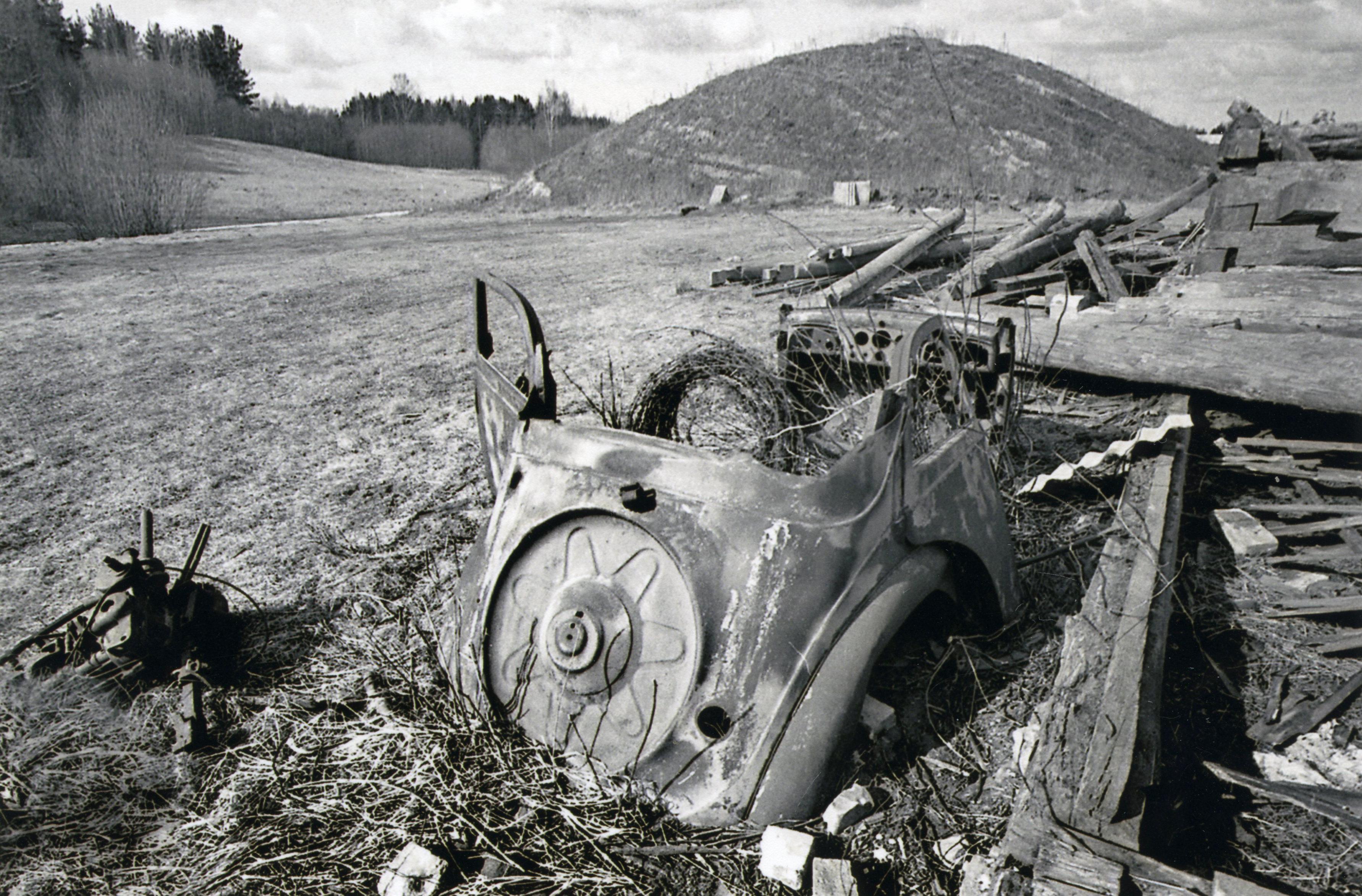 Kalnaklaņģi un Biļķena māja jau nojaukta; pie Klaņģu kalna veidojas zemes krāja ūdenskrātuves uzbērumam. 20. gs. 60. gadi. K. Kalsera arh.