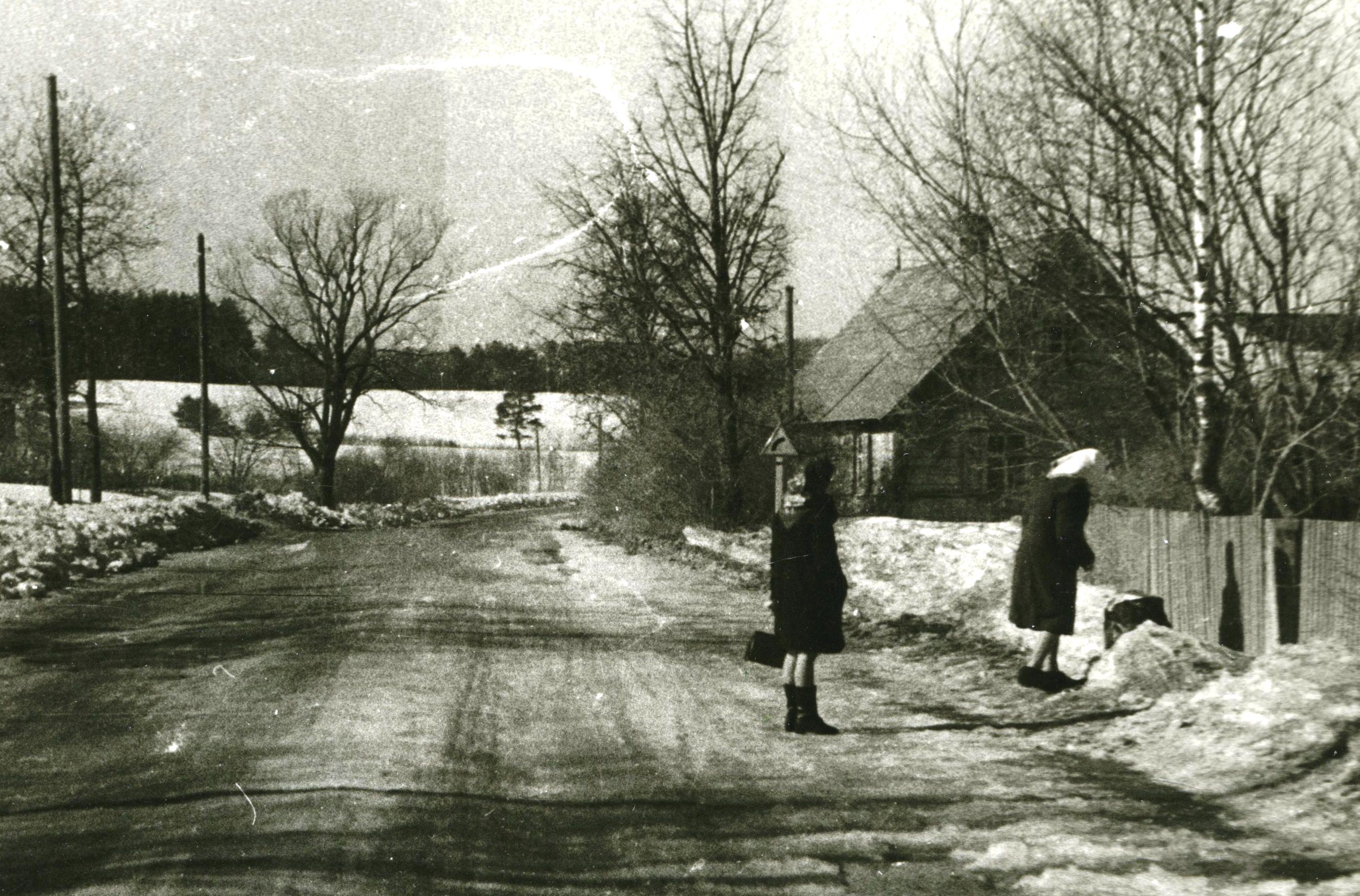 Kalniņi; tālāk Klaņģu kalns. 20. gs. 60. gadi. Ķekavas novadpētniecības muzeja krājums.