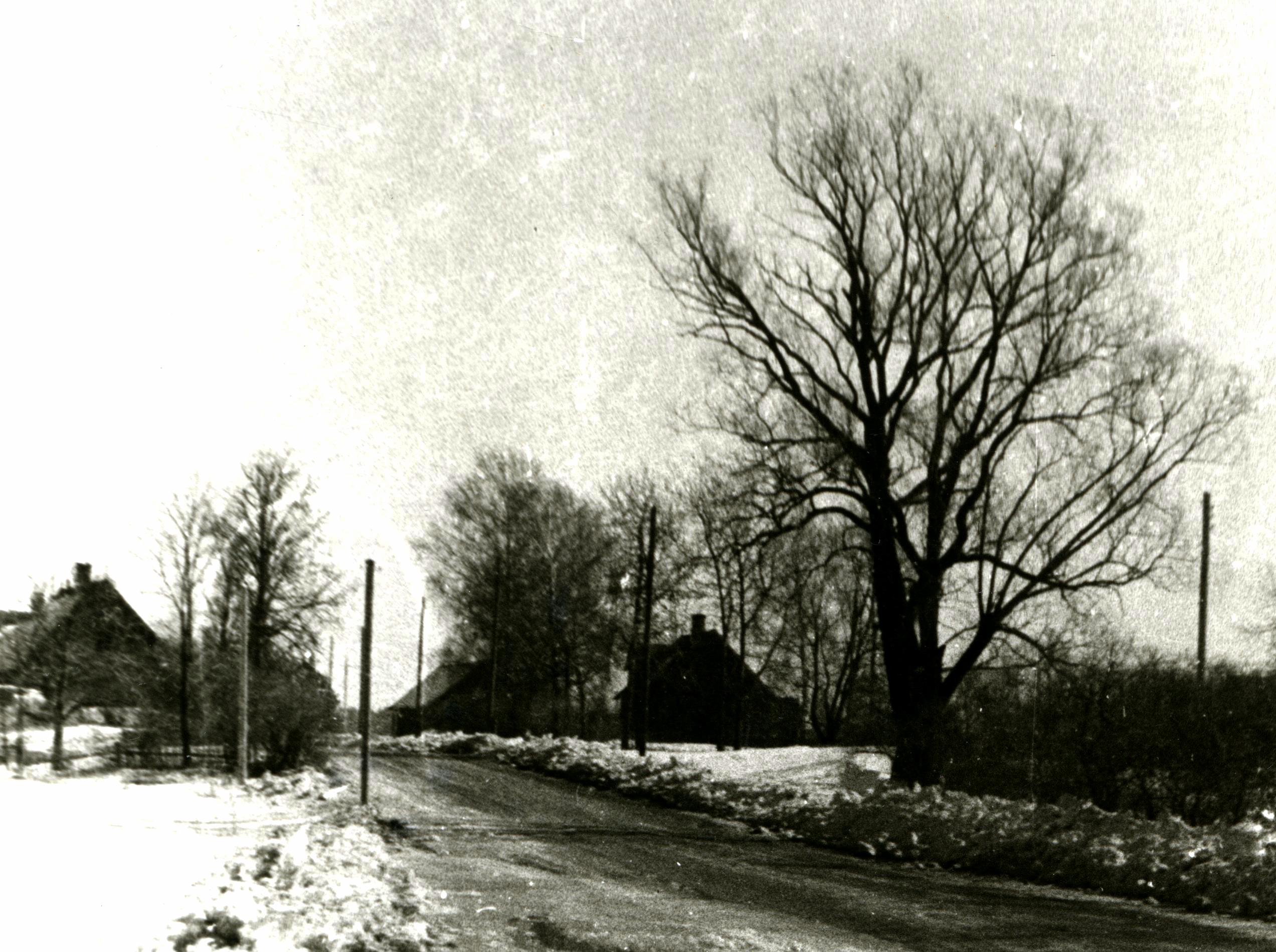 Kalniņi (kreisajā malā) un Lejasklaņģi. 20. gs. 60. gadi. Ķekavas novadpētniecības muzeja krājums