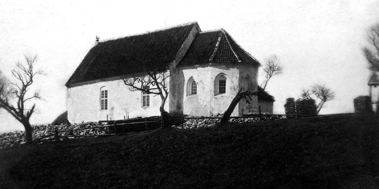 Baznīca pirms pārbūves 1896.gads (K.Shmits, F.Cielava)